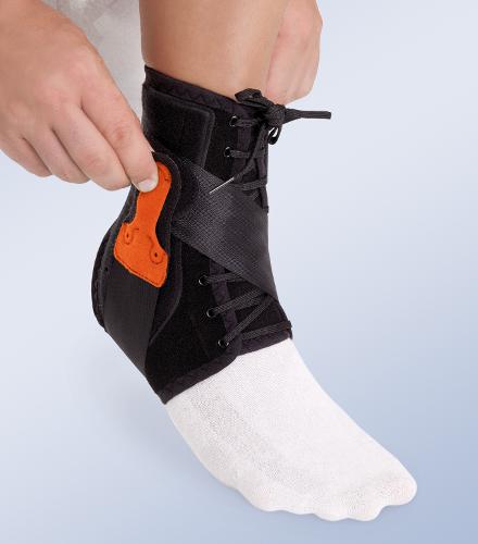 Orteza sztywna lub półsztywna z tworzywa sztucznego na goleń i stopę Tobiplus® EST-090