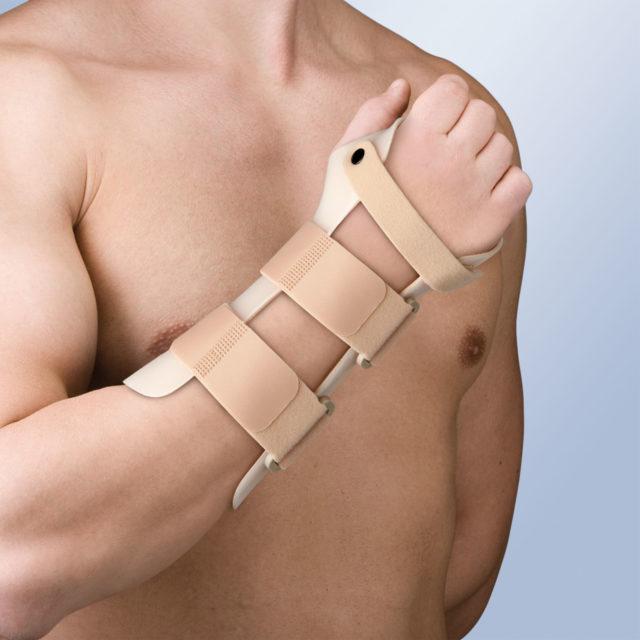 Orteza na rękę i przedramię TP-6105 D/I (stabilizująca staw nadgarstkowy w 20° zgięciu grzbietowym)